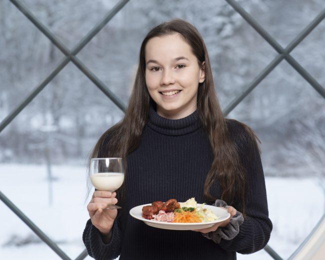 Ammatillisten oppilaitosten ja lukioiden ruokailusuosituksen valokuvasarja